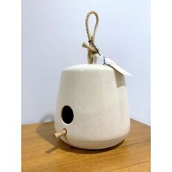 Kyпить Hearth and Hand with Magnolia Speckled Stoneware Birdhouse w/ Wooden Perch NWT на еВаy.соm