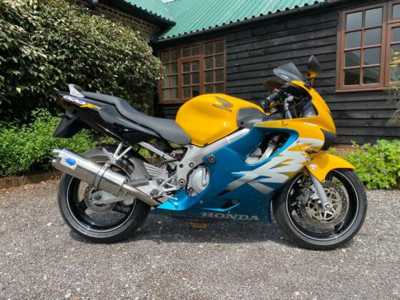 Honda CBR600 Ultima Light 1999 Yellow and Green Low Mileage Immaculate 2 Owners