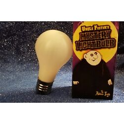 Addams Family The Light bulb - Uncle Fester