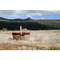 Picnic Time Family of Brands Country Picnic Basket 138-00-406-000-0