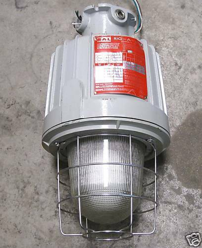 Metal Halide Lamps Hazardous Waste: R-A-L Light Fixture SXP17H04GGC Hazardous Location
