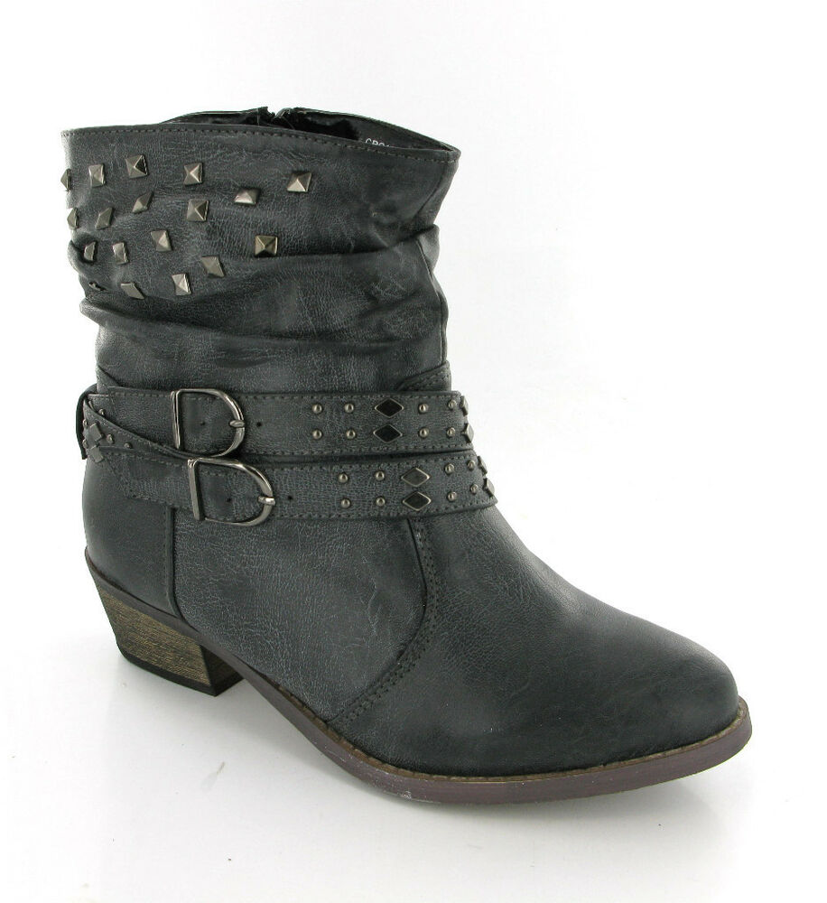 Find Black women's boots at ShopStyle. Shop the latest collection of Black women's boots from the most popular stores - all in one place.