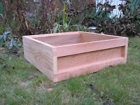 ENGLISH CEDAR SUPER FOR A NATIONAL BEEHIVE