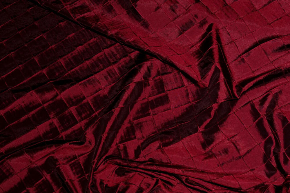 Iridescent Taffeta Pintuck Burgundy Dress Tablecloth Decor