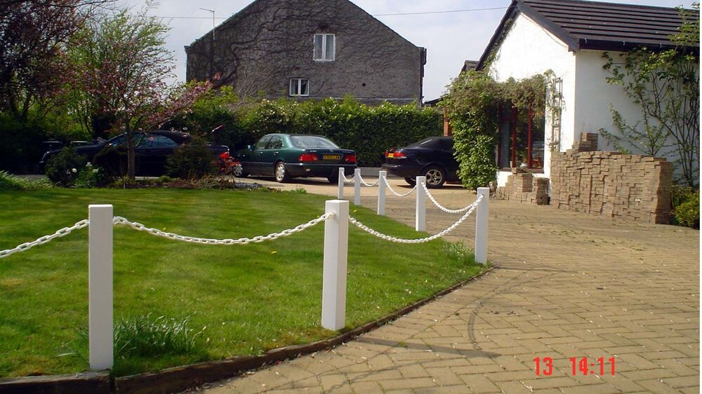 plastic upvc post and chain fencing driveway garden. Black Bedroom Furniture Sets. Home Design Ideas