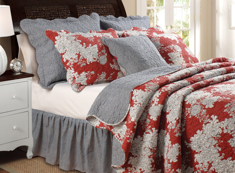 Toile King Bedding: Lorraine 3pc King Quilt Set Burgundy Red Floral Toile