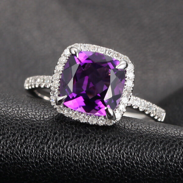 VS 8mm Cushion Amethyst Micro Pave H/SI Diamond Claw