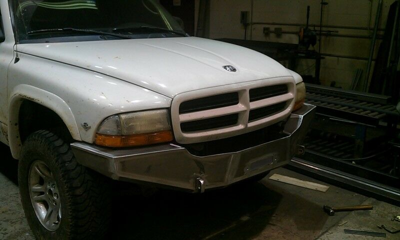 S L on 2005 Dodge Durango Parts