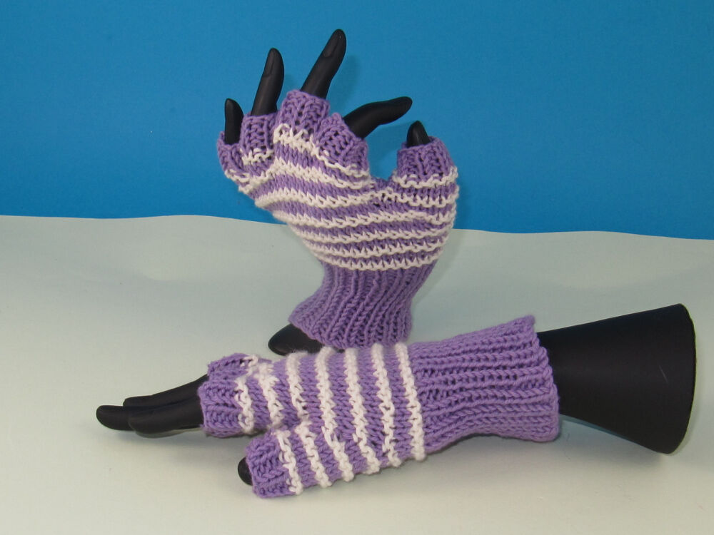 Knitting Patterns Striped Gloves : PRINTED INSTRUCTIONS- STRIPE PATTERN SHORT FINGER GLOVES KNITTING PATTERN eBay