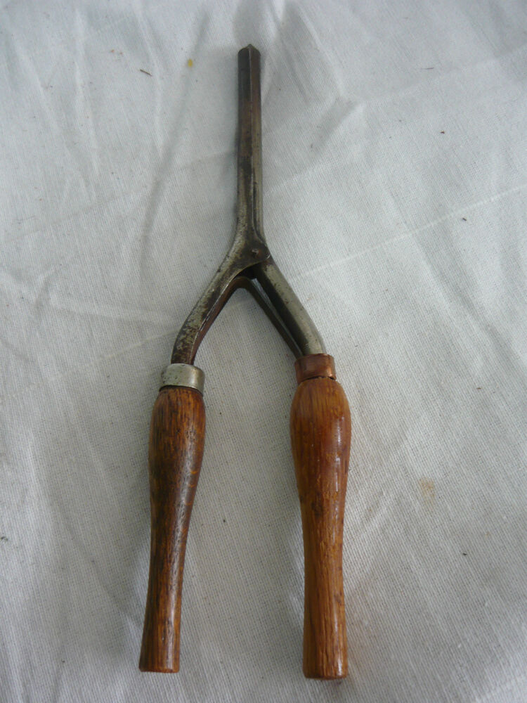 Vintage Antique Curling Iron Princess Wood Handles Nice