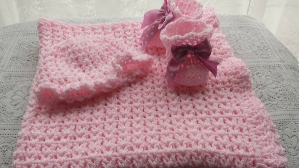 CROCHET/KNITTED PATTERN FOR BABY SHAWL V-ST IN ARAN YARN ...