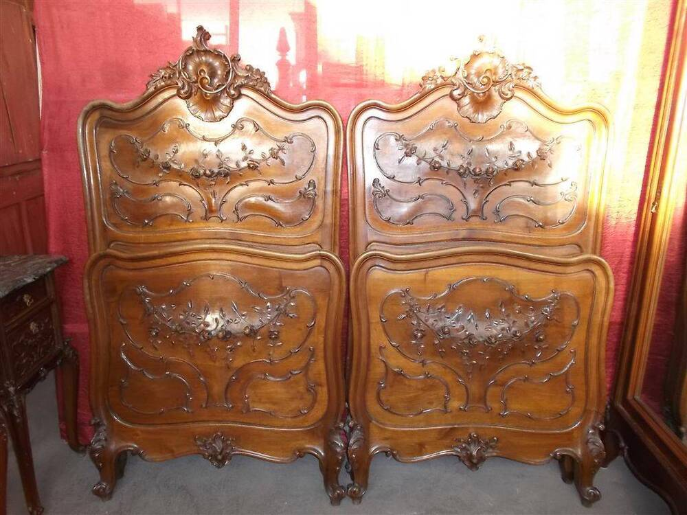 Beautiful carved italian victorian walnut bedroom set beds