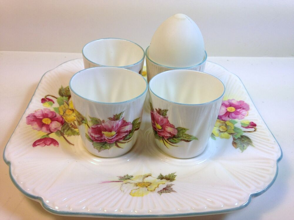 Unusual Shelley China Egg Cup Tray With 4 Cups In Begonia