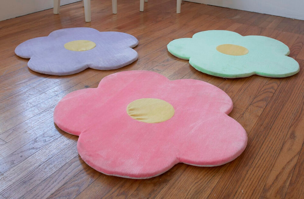Flower area rug for kids girls room area rugs girls room for Best carpet for baby nursery