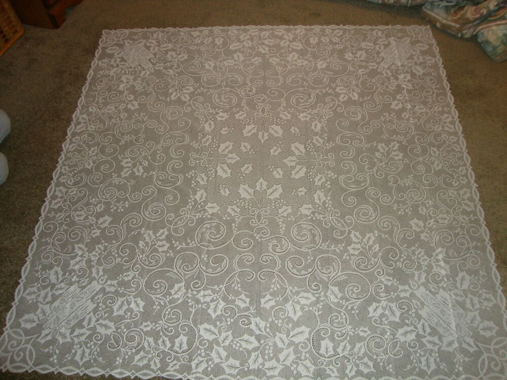 New Christmas Ivory Lace Holly Berry Design Tablecloth 60