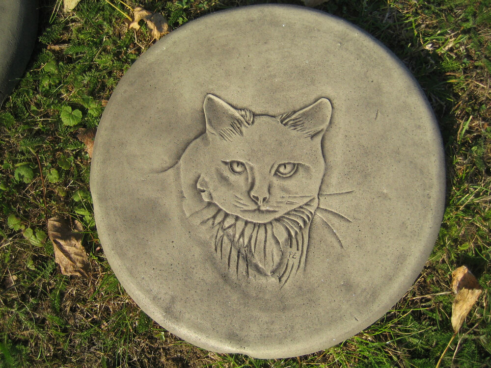 Stepping stone cat garden ornament 57 other designs in for Stepping stone designs garden layouts