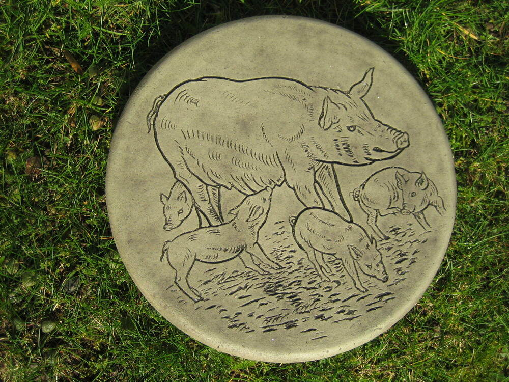 Stepping stone pig garden ornament 57 other designs in for Garden stepping stone designs