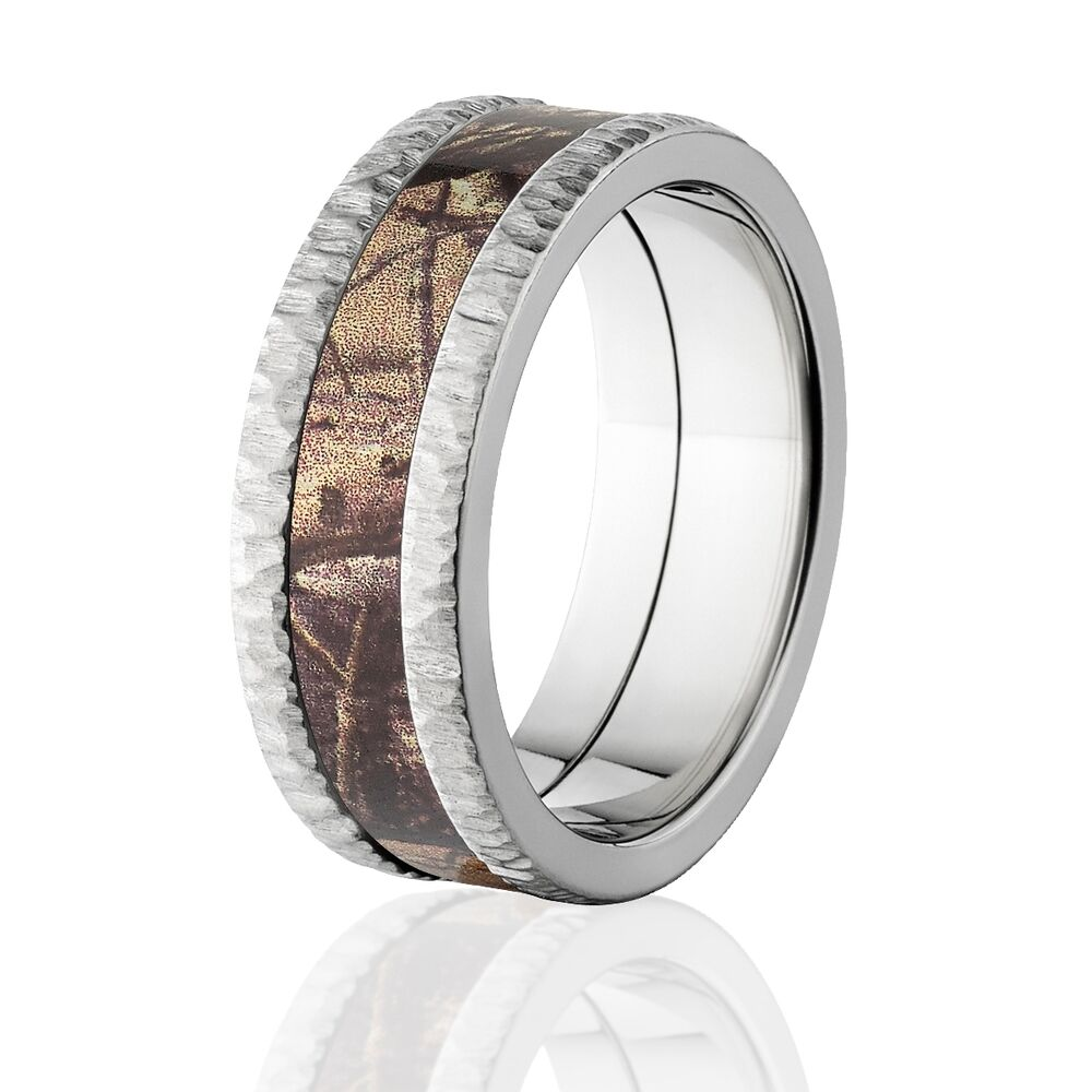Realtree ap camo bands tree bark camouflage wedding ring for Camoflauge wedding rings