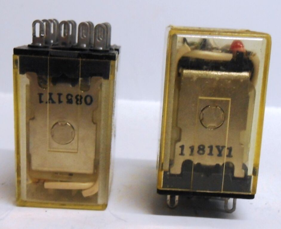 Omron  Relay  Type My4n  110  120 Vac  Lot Of 2