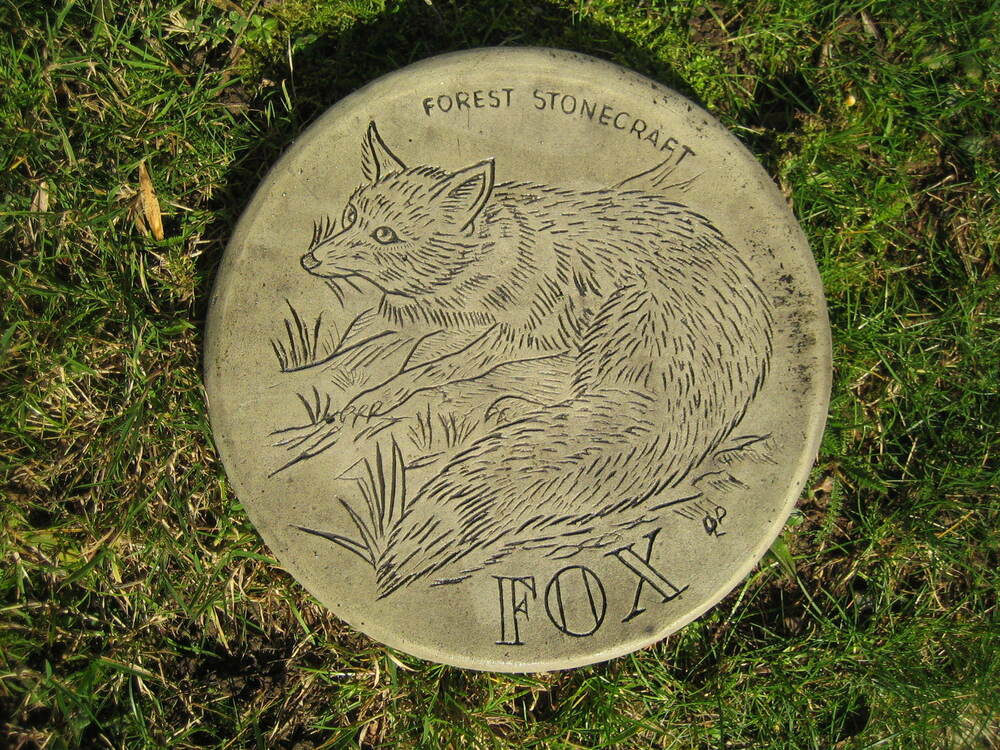 Stepping stone fox garden ornament 57 other designs in for Stepping stone designs garden layouts