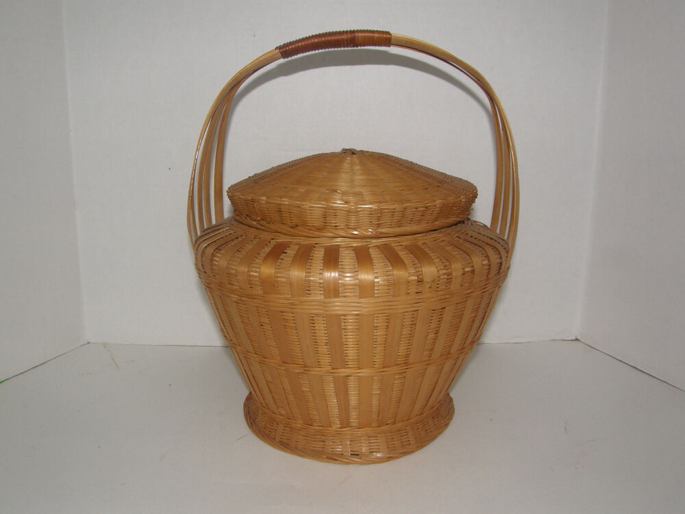 vintage wicker potpourri basket with round cover handle 10 tall ebay. Black Bedroom Furniture Sets. Home Design Ideas
