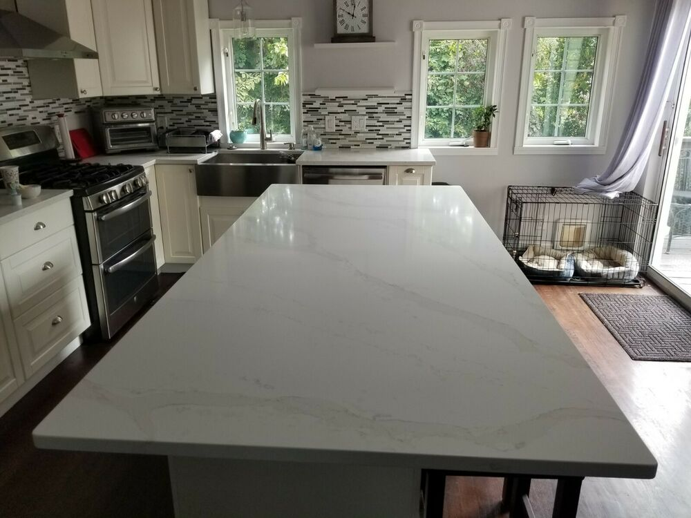 Countertop quartz granite silestone stellar meadow slab for Silestone o granito