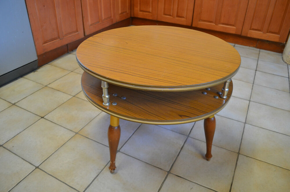 Vintage retro 1950 39 s 60 39 s round formica coffee table with magazine rack shelf ebay Formica coffee table