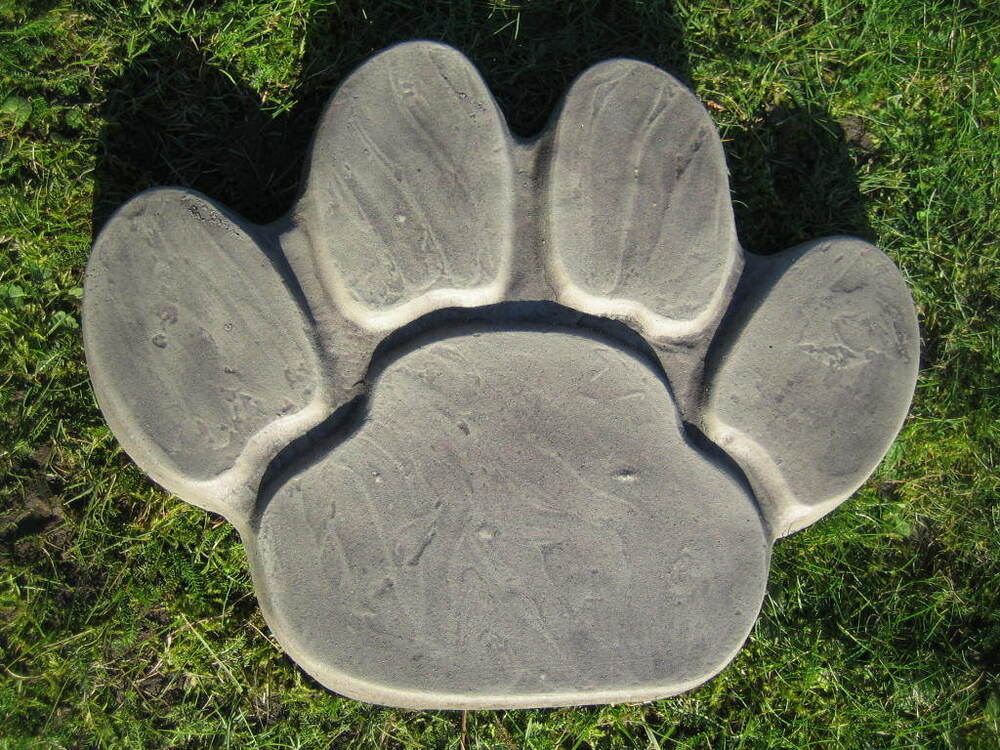 Paw print stepping stone stone garden ornament other for Garden stepping stone designs