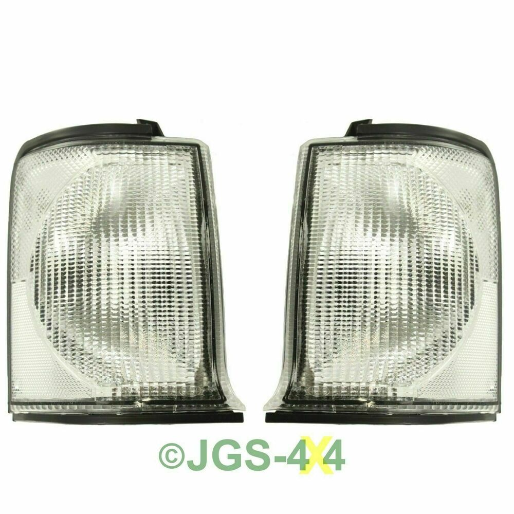 Pair Of Clear Front Indicator Lights For Land Rover: Land Rover Discovery 2 Front Clear Indicator Lamps