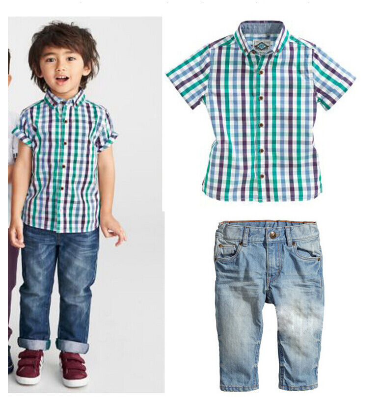 Boys' dress shirts are a great option for a fancier look. Whether combined with boys' school uniform clothes or paired with dark jeans, his collared shirt creates a more polished appearance. Give your young man a look he'll love with boys' shirts from Sears.