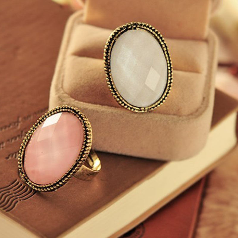 Fashionable retro style big rhinestone ring vintage stone Vintage style fashion rings