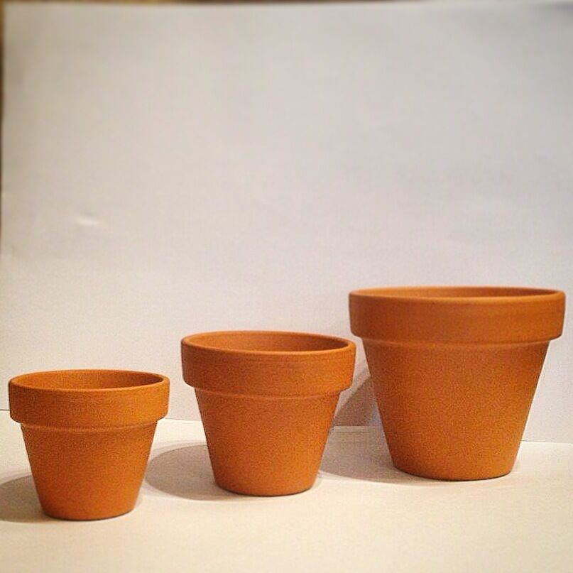 Vintage style terracotta plant pots 1 50 pcs 5 different for Small clay pots