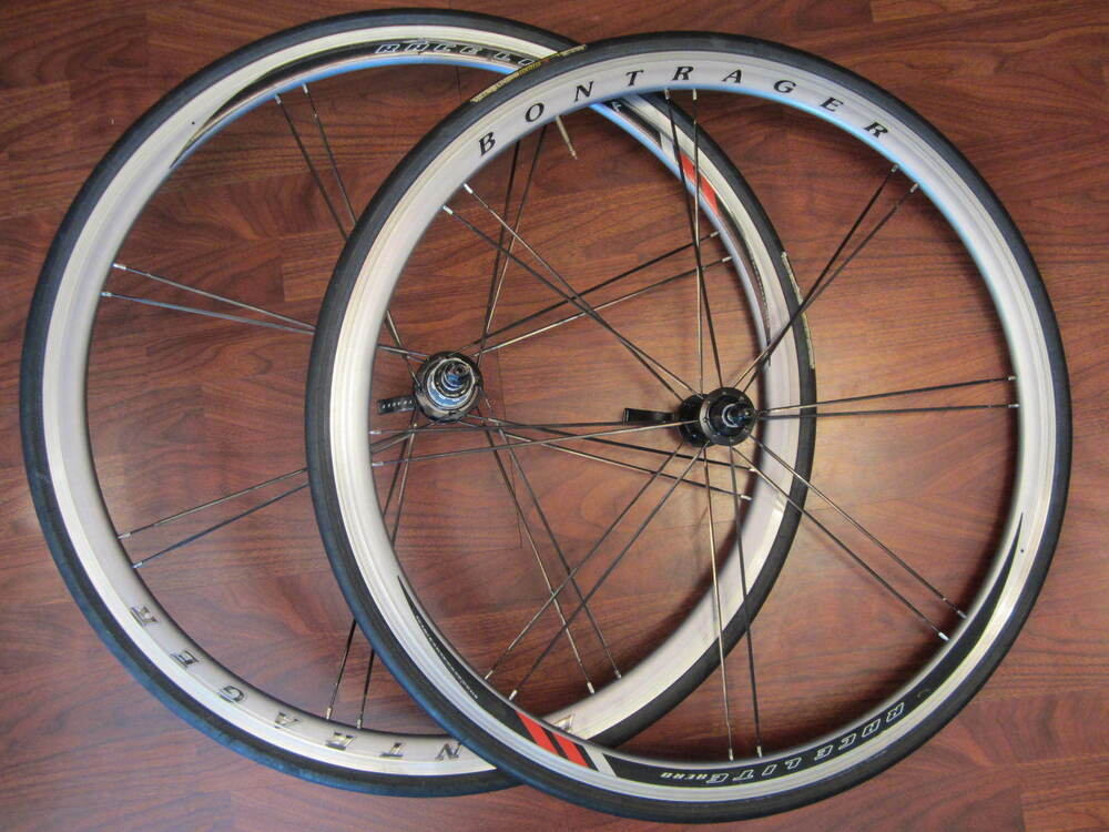 bontrager race lite aero bladed paired 700 shimano sram hub vredestein wheel set ebay. Black Bedroom Furniture Sets. Home Design Ideas