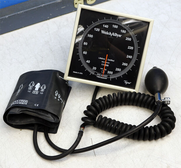 Welch Allyn Ce0050 Sphygmomanometer With Durable Blood