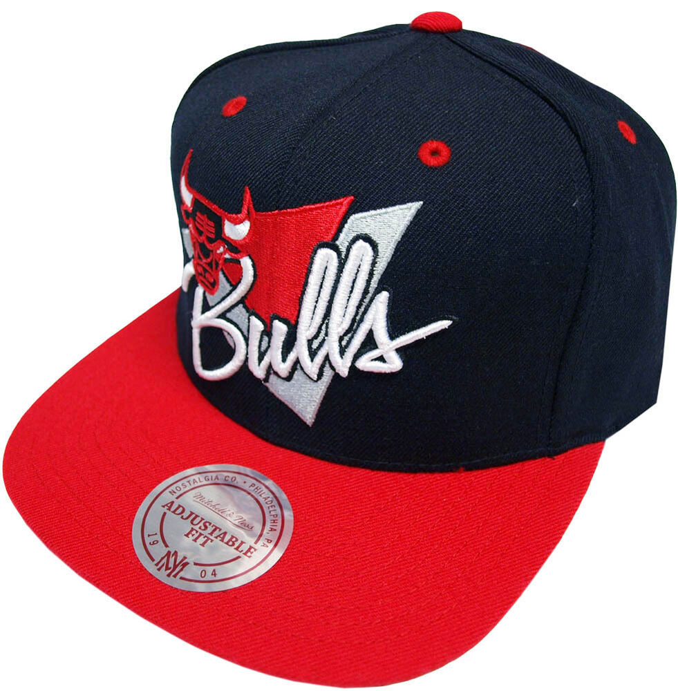 25baba5cc0d Details about Mitchell   Ness Chicago Bulls Snapback Cap ny99z Triangle  Script Baseball Cap