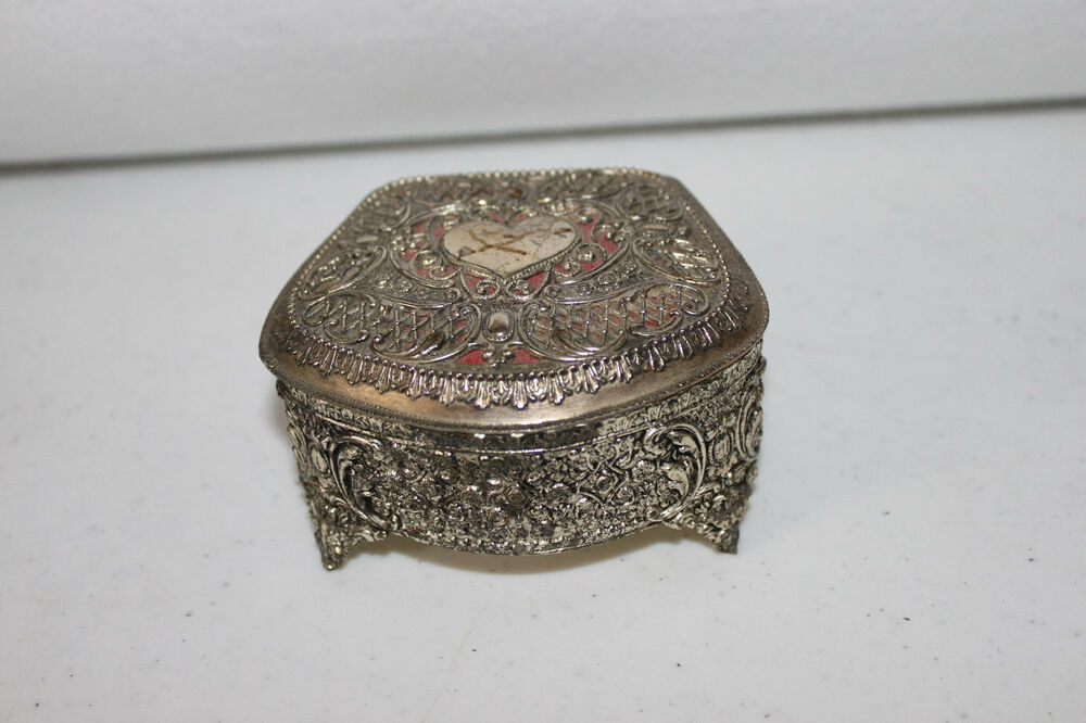 Vintage hinged silver tone heart jewelry trinket box red for Heart ring box