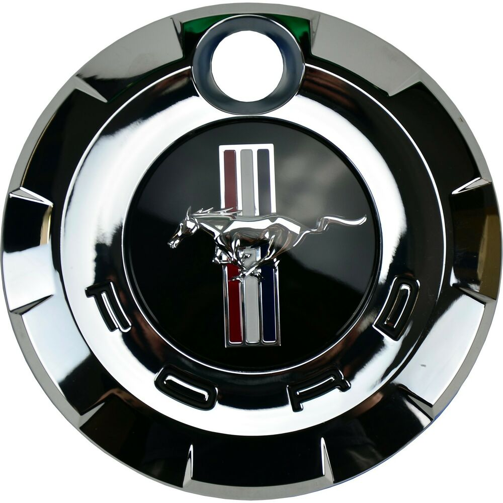 oem new 2005 2009 ford mustang faux gas cap rear emblem v6 gt boss 5r3z6342528aa ebay. Black Bedroom Furniture Sets. Home Design Ideas