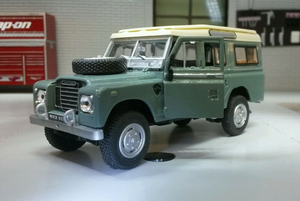 1 43 scale model land rover series 2a 3 109 lwb station wagon oxford cararama ebay. Black Bedroom Furniture Sets. Home Design Ideas