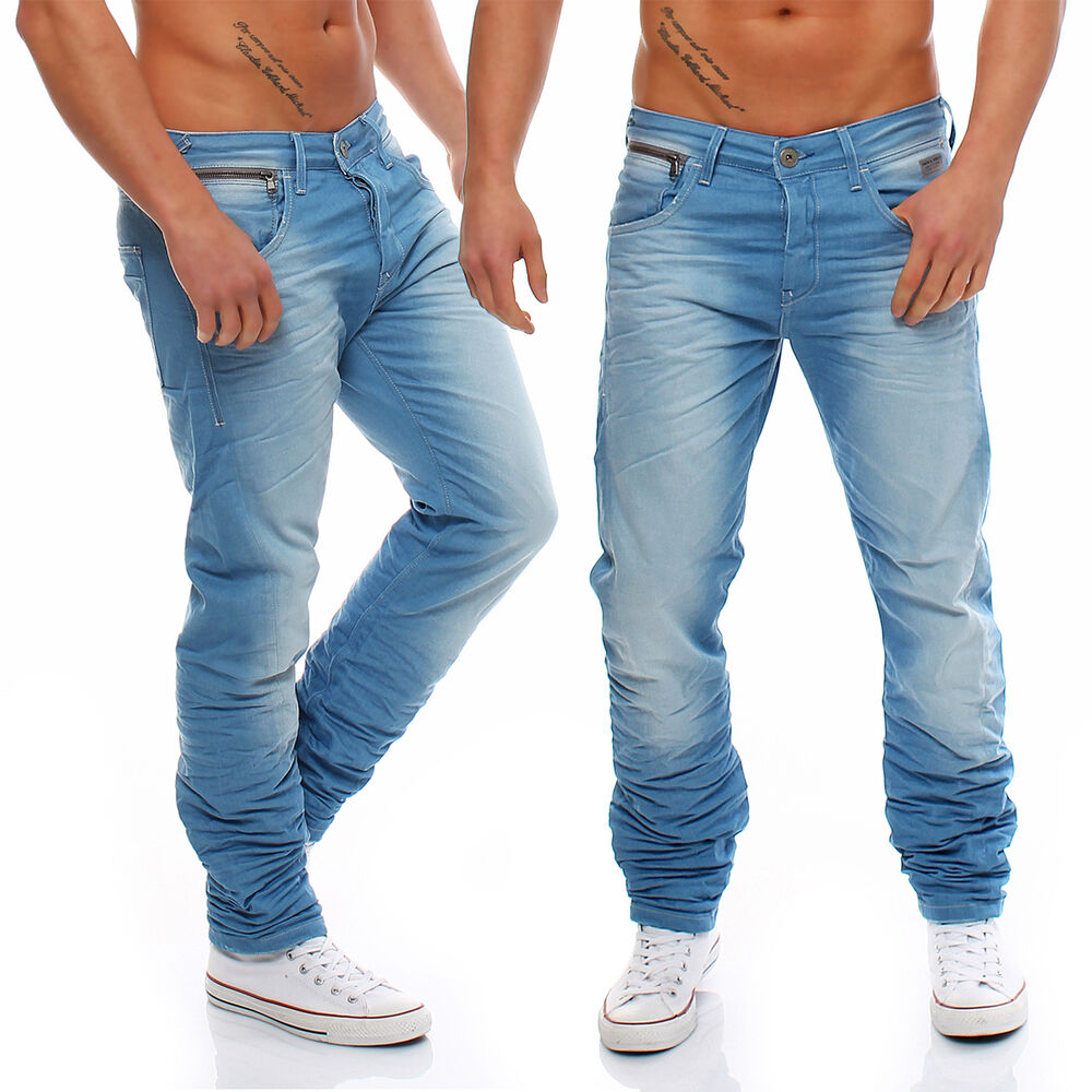 MEN'S JEANS We invented the blue jean in Since then, we've expanded our range of men's jeans more than ever before. From classic relaxed fits to new, modern skinnies, Levi's® jeans for men are designed for style and function. Jeans make the man. We make the jeans.