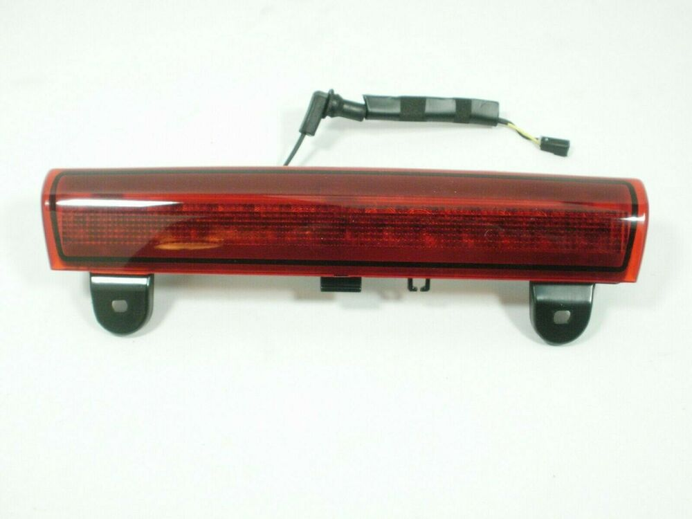 Gmc Yukon Xl Denali 3rd Brake Tail Light Lamp 2001 2002