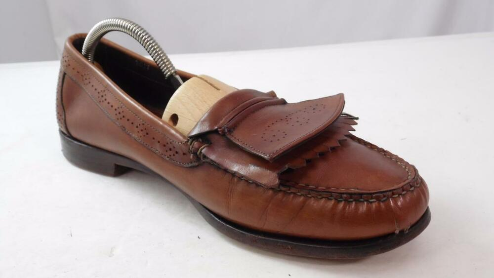 Shop Men Loafers items by Tod's online. For you, an wide array of products: easy, quick returns and secure payment!