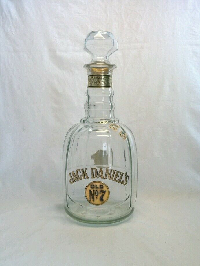 vintage jack daniels old no 7 whiskey decanter bottle inv. Black Bedroom Furniture Sets. Home Design Ideas