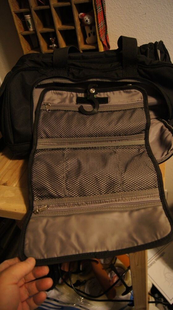 BROOKSTONE EXECUTIVE CARRY ON DUFFLE BAG SHOULDER STRAP