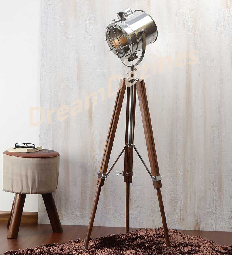 Classic theatre spot light with solid wooden tripod for Tripod spotlight floor lamp in teak wood