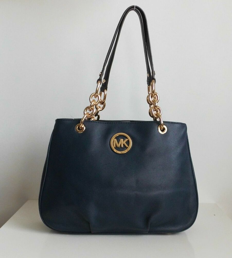 michael kors tasche navy michael kors tasche handtas che bag sophie lg satchel leder navy neu. Black Bedroom Furniture Sets. Home Design Ideas
