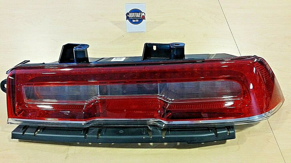 New Oem Rh Tail Lamp 2014 2015 Camaro W Hid Headlamps