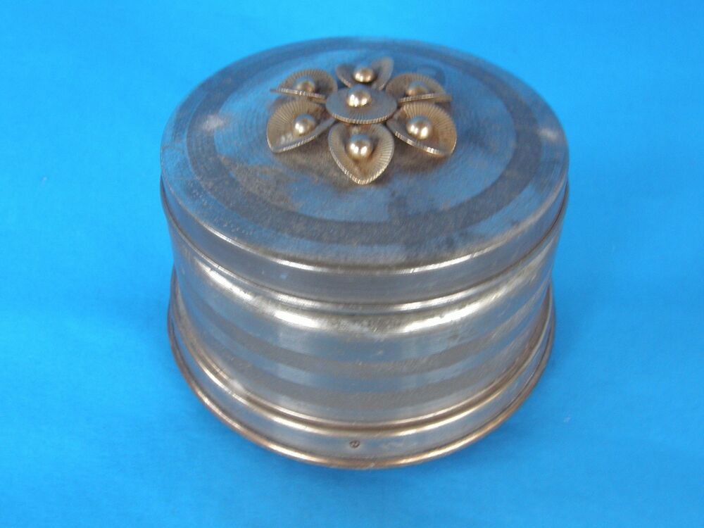 vintage antique round metal with decorative lid trinket music box rare ebay. Black Bedroom Furniture Sets. Home Design Ideas
