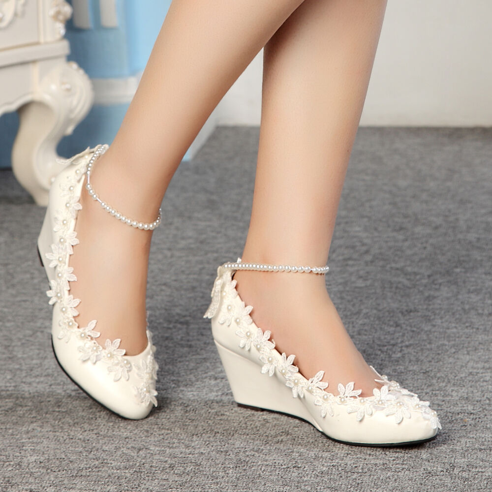 Fashion lace white ivory crystal wedding shoes bridal for Heels for wedding dress