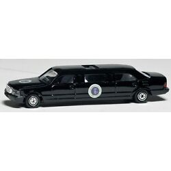 Kyпить Daron Presidential Limousine diecast Car model toy 1/64 scale New in Box  на еВаy.соm