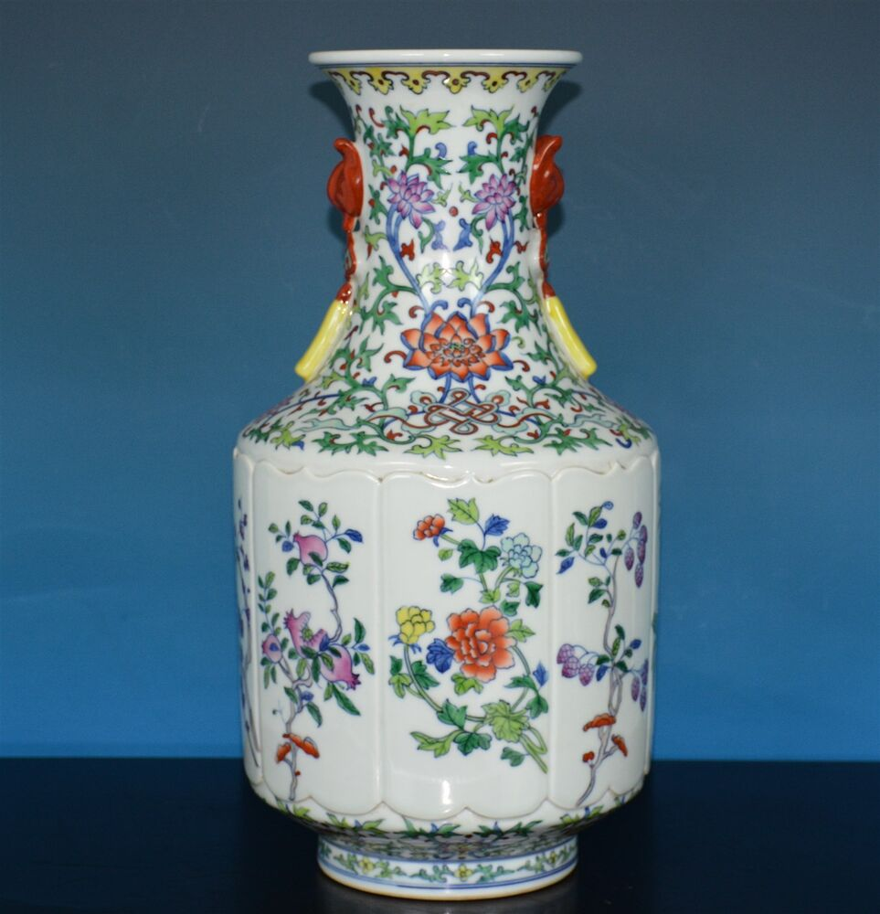 Stunning chinese doucai porcelain vase marked qianlong for Asian antiques uk